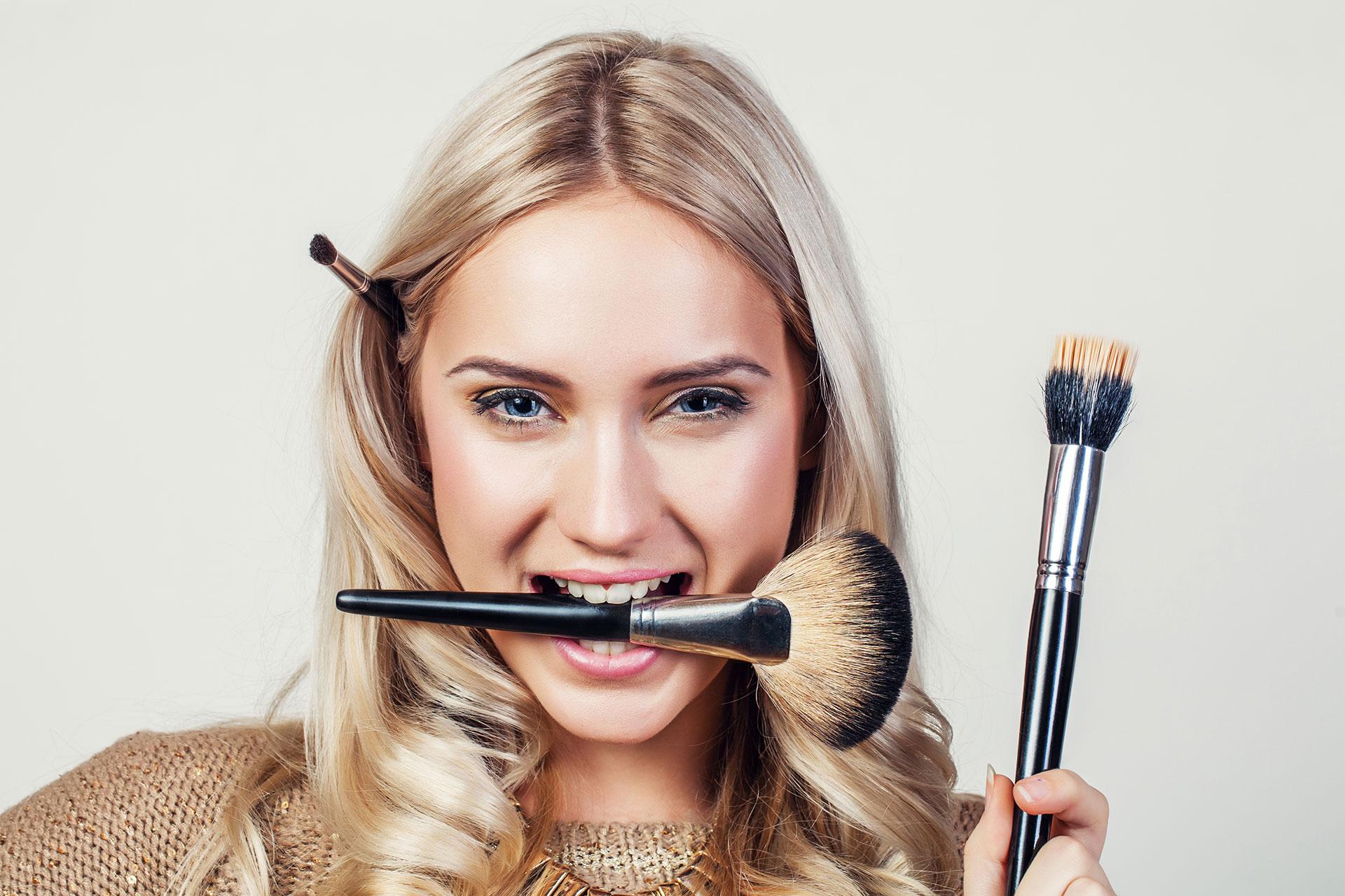 Kleine Behandlungen (Make Up)